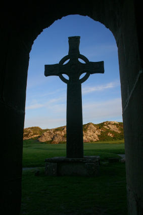 iona-cross